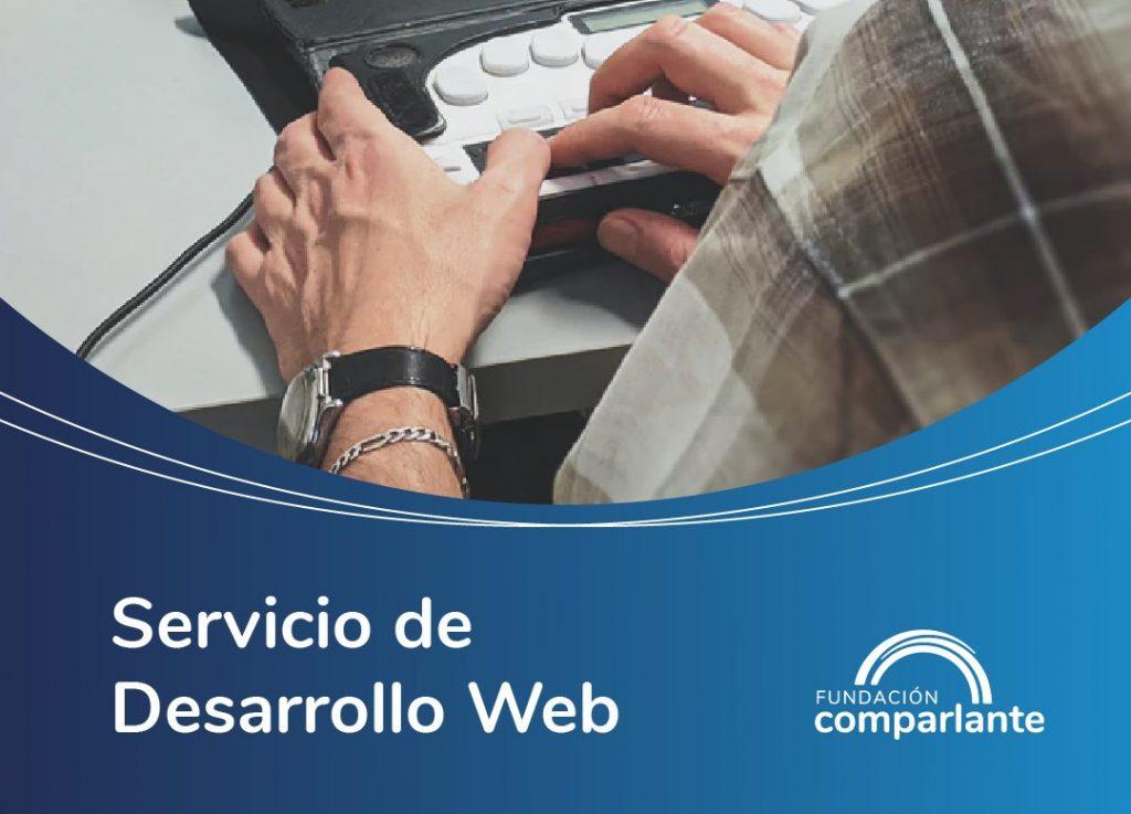 Imagen de persona con teclado accesible. Logotipo Fundación Comparlante