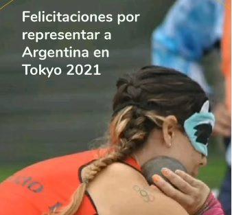 Imagen de una fotografía de Florencia Romero promotora de derechos lanzadora de disco y bala. Con la frase: Felicitaciones por representar a Argentina en Tokyo 2021.